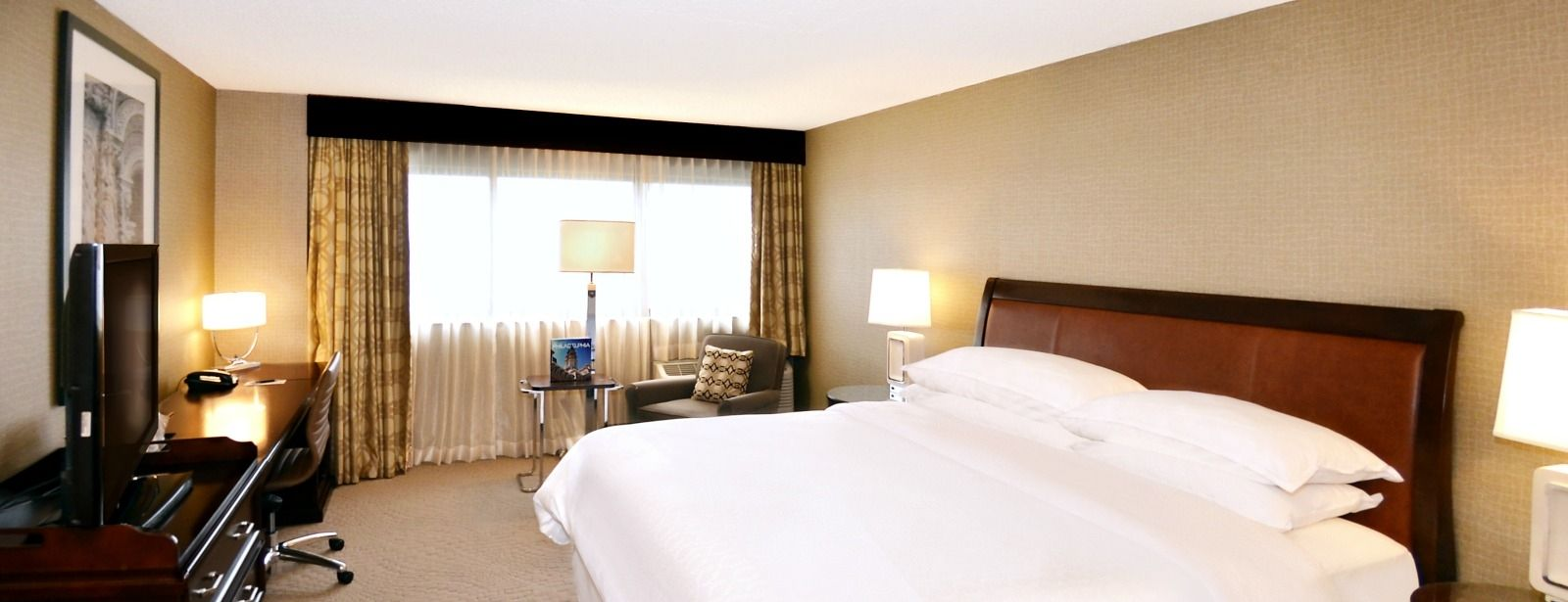 Philadelphia Accommodations - Club Deluxe Guest Room